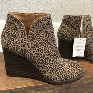 NWOT Lucky Brand Yimina Wedge Bootie